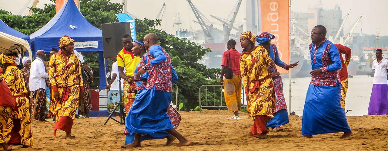 La fete du Ngondo au Cameroun et ses belles couleurs