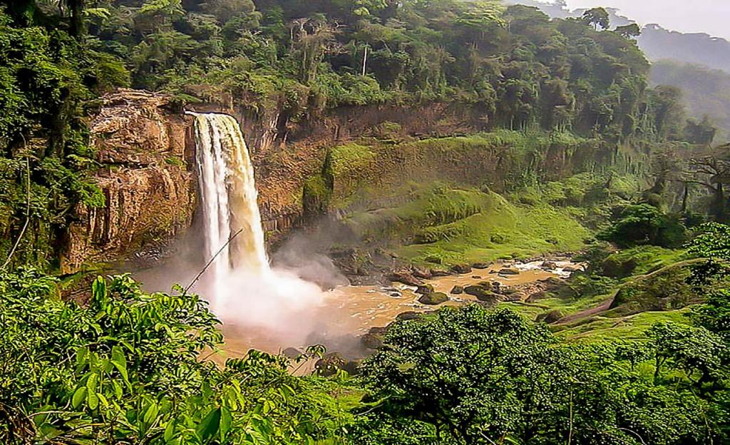 Les chutes-d'Ekom-Nkam