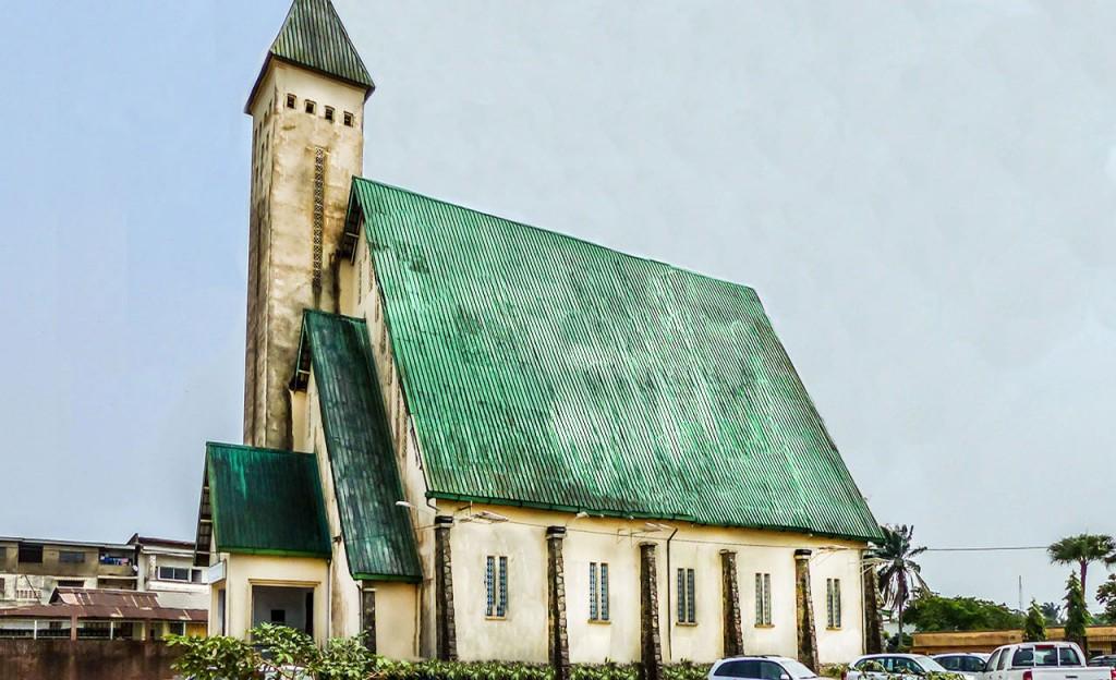 Le temple-du-Centenaire à Douala