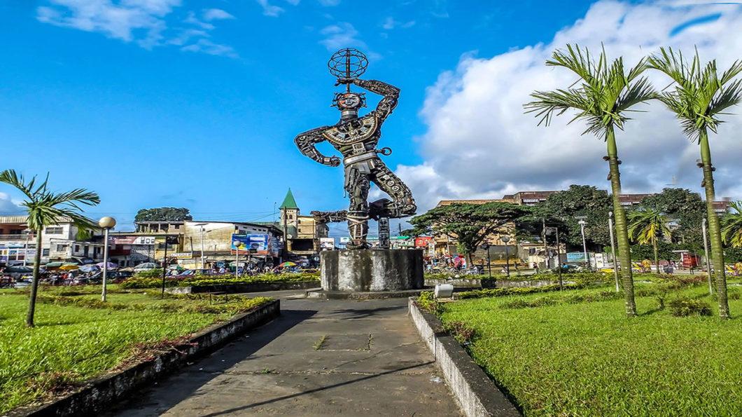 Monument de la nouvelle liberté à Douala